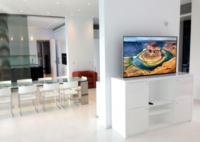 Increíble sistema audio y video Samsung + elevador TV en Mallorca